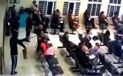 Vídeo - Criminosos invadem Salão das Testemunhas de Jeová e assaltam os fiéis