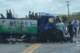 Grave acidente na BR-316, em Atalaia, deixa vítimas fatais - Uma criança está entre as vítimas