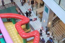 Homem morre ao cair do 2º andar do Shopping Patteo em Olinda